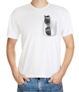 Letní tričko se slunečními brýlemi