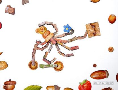 Dubnetky ukázka - chobotnice na koloběžce