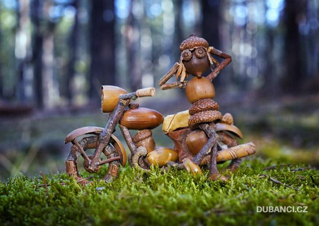 Duběnka u motorky