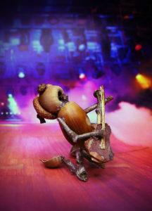 Hudební pohlednice s dubánkem kytarista